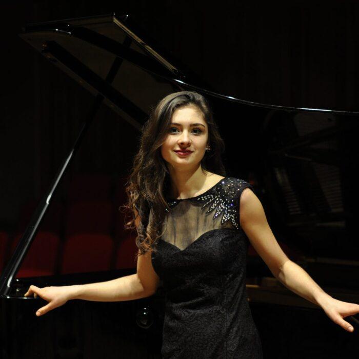 Marie Šumníková – klavír